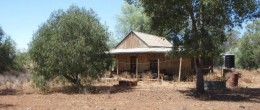 "(js8) ""FAIRFIELD""  Girilambone 2560 acres $260,000"